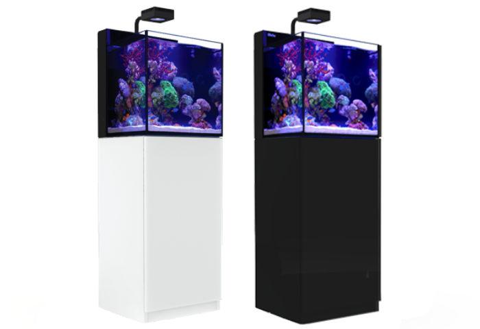 Das Red Sea Max Nano Meerwasseraquarium ist in schwarz oder weiss erhältlich